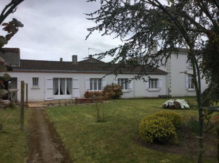 Sale house / villa Le landreau 370800€ - Picture 1