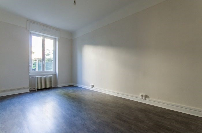 Sale apartment Metz 208 600€ - Picture 1