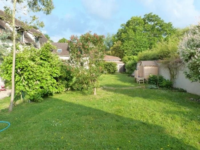 Deluxe sale house / villa Champenard 385000€ - Picture 3