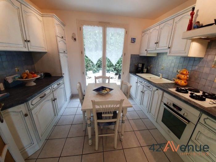 Sale house / villa Saint-jean-bonnefonds 275000€ - Picture 3