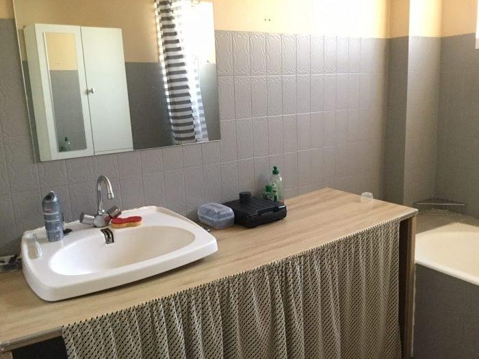 Investment property house / villa Saint-georges-de-montaigu 261000€ - Picture 13