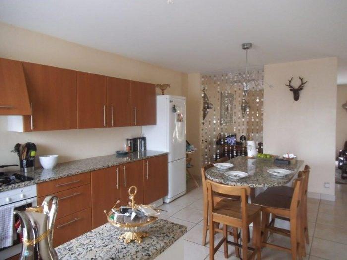 Sale house / villa Montaigu-vendée 213900€ - Picture 4