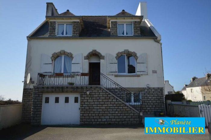 Sale house / villa Plouhinec 166720€ - Picture 1
