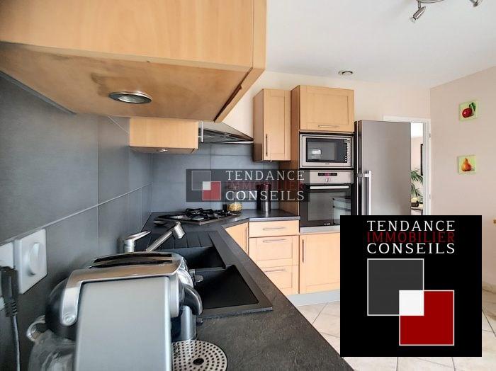 Sale house / villa Attignat 249600€ - Picture 5