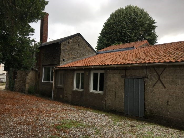 Investment property house / villa Nesmy 173400€ - Picture 2