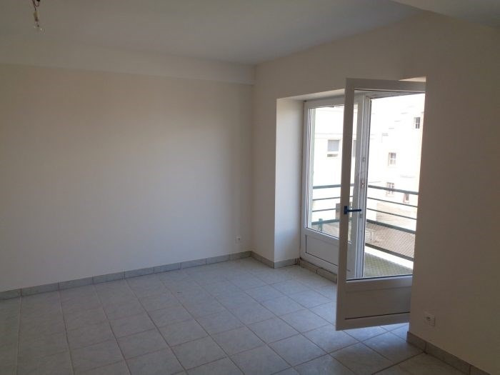 Rental apartment Pfaffenhoffen 600€ CC - Picture 1