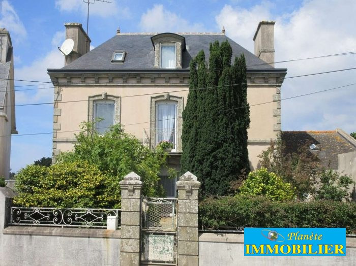 Sale house / villa Plouhinec 192 770€ - Picture 1