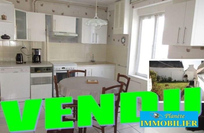 Sale house / villa Plouhinec 113400€ - Picture 1