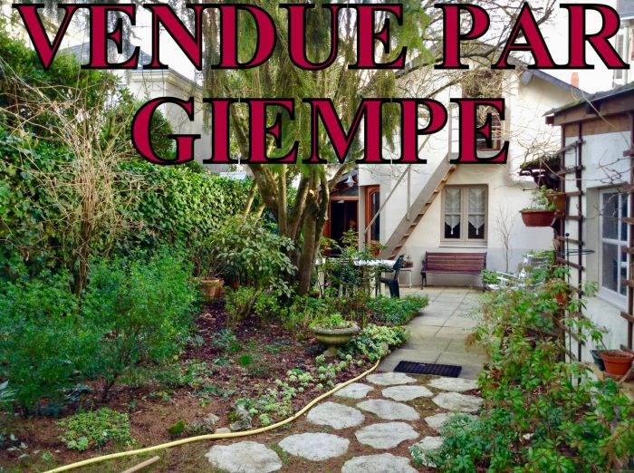 Sale house / villa Nantes 372600€ - Picture 1