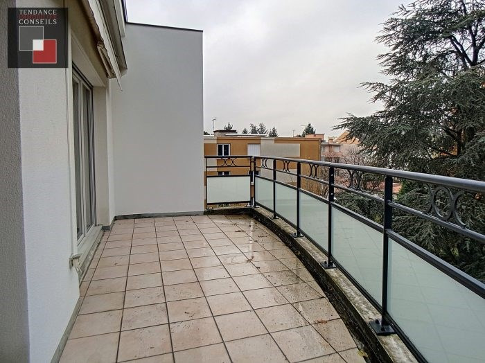 Sale apartment Villefranche-sur-saône 170000€ - Picture 2