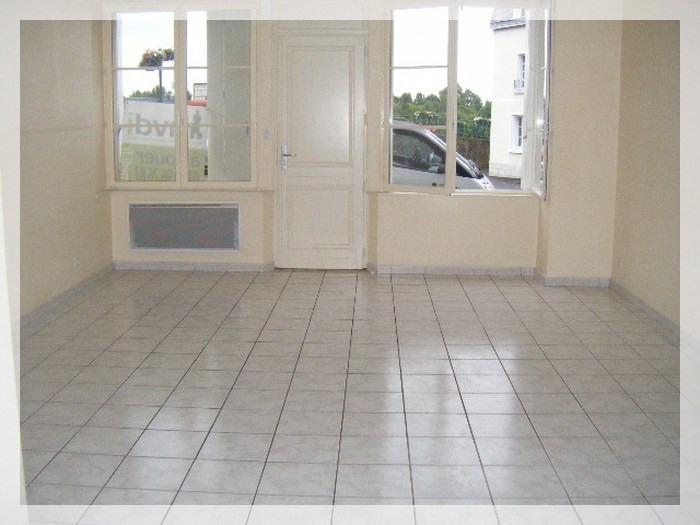 Rental apartment Saint-florent-le-vieil 470€ CC - Picture 2