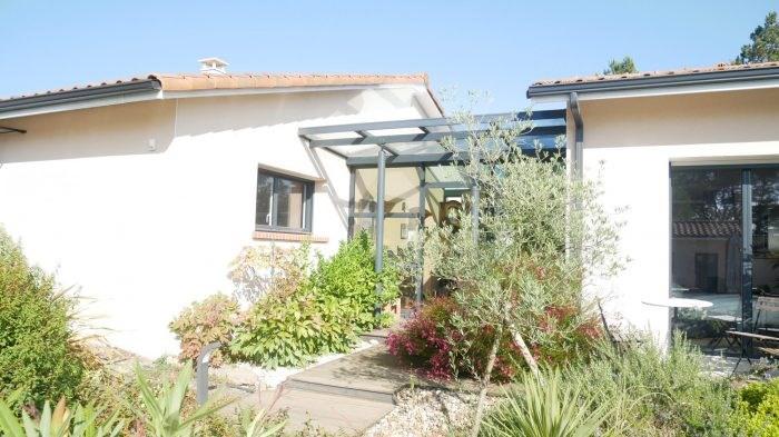 Deluxe sale house / villa Cugand 564300€ - Picture 2