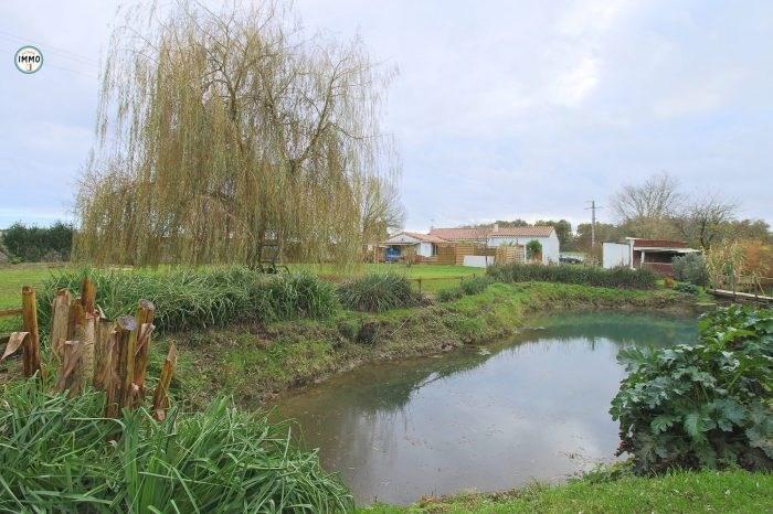 Sale house / villa Saint-ciers-du-taillon 223860€ - Picture 1