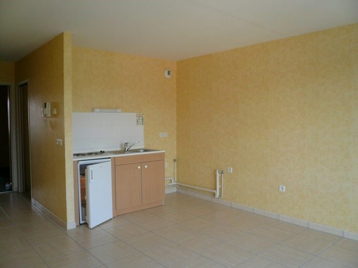 Rental apartment La roche-sur-yon 380€ CC - Picture 2