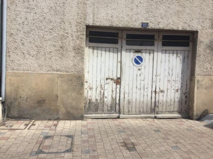 Location parking Villefranche-sur-saône 160€ +CH - Photo 1
