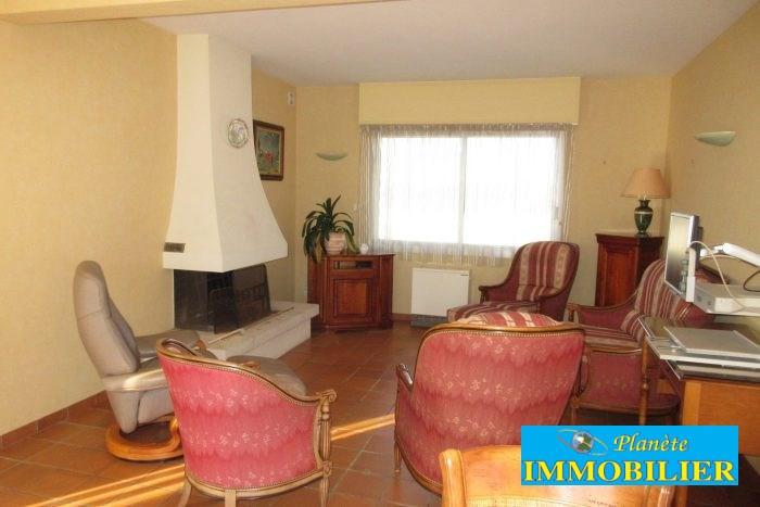 Sale house / villa Confort-meilars 171930€ - Picture 4
