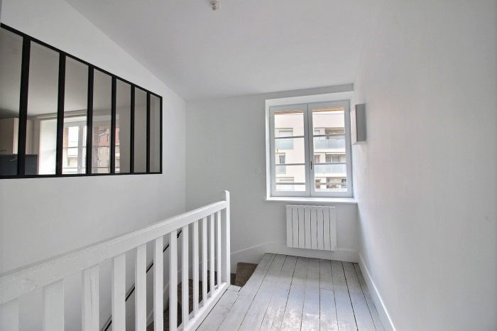 Location appartement Villefranche-sur-saône 790€ CC - Photo 3