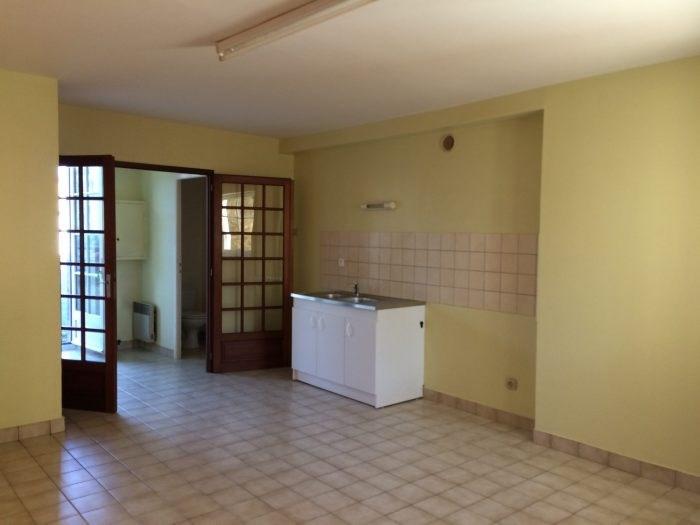 Rental apartment Montfaucon-montigné 307€ CC - Picture 1