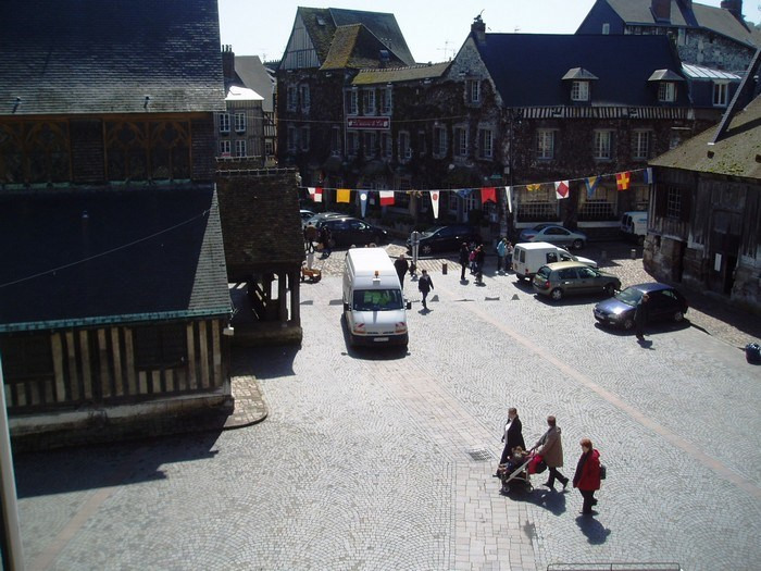Rental apartment Honfleur 810€ CC - Picture 3