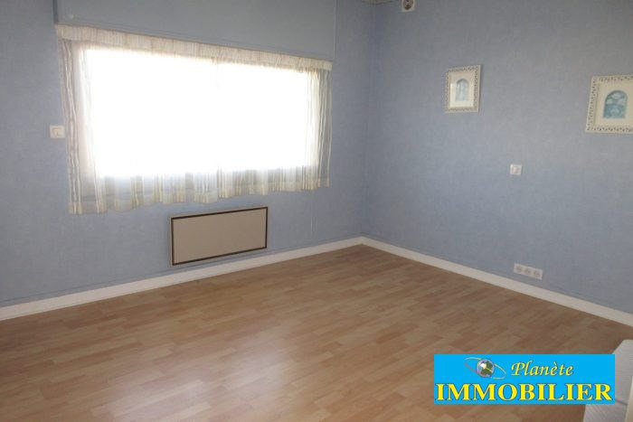 Sale house / villa Confort-meilars 171930€ - Picture 8