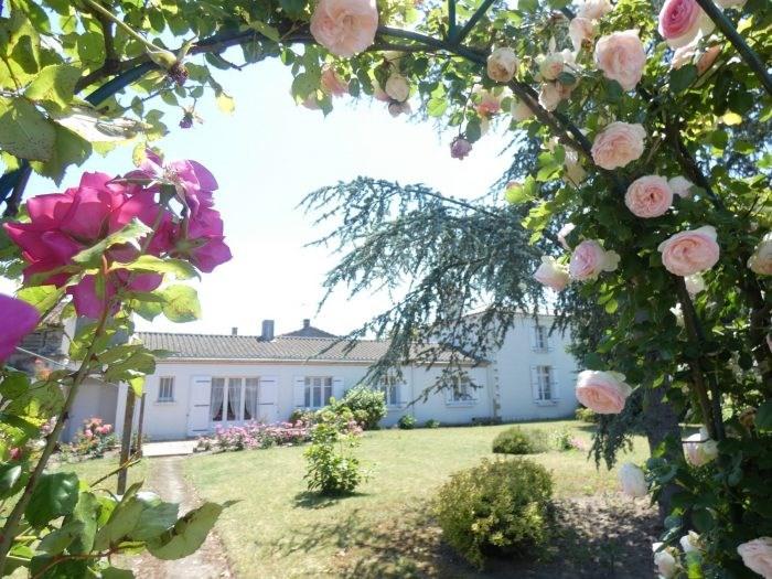 Sale house / villa Le landreau 299490€ - Picture 1