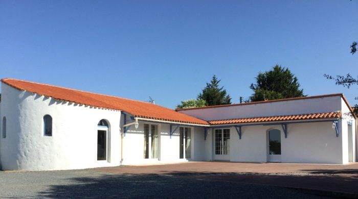 Sale house / villa La bernardière 170000€ - Picture 1