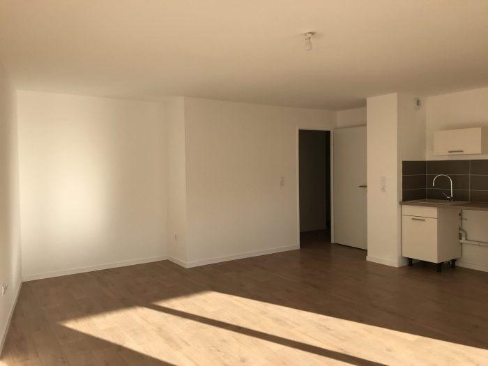 Rental apartment Clisson 680€ CC - Picture 2
