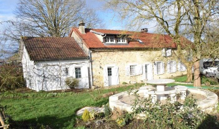Sale house / villa Jeufosse 378000€ - Picture 1