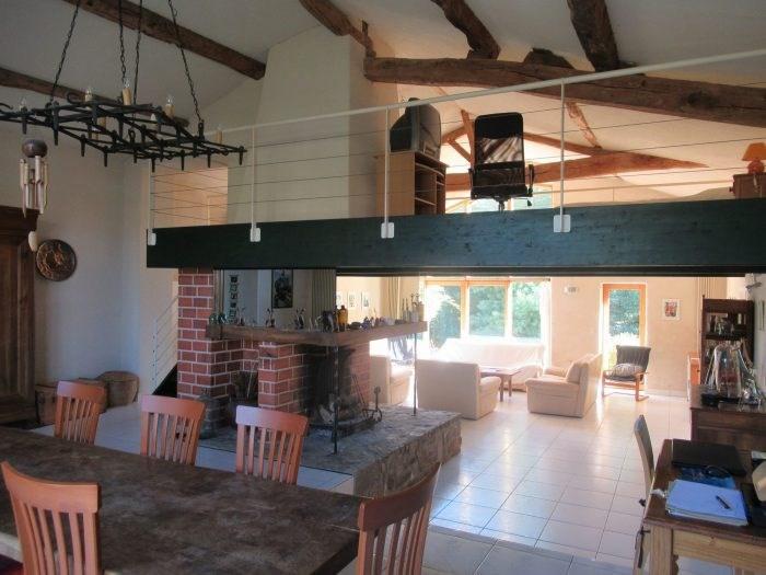 Sale house / villa Saint denis la chevasse 331500€ - Picture 1