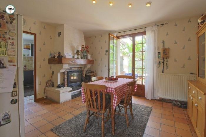 Vente maison / villa Brie-sous-mortagne 297000€ - Photo 5