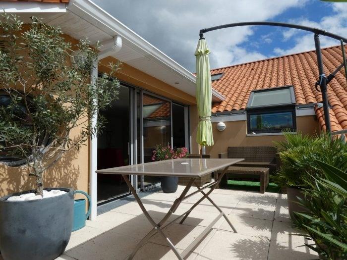 Sale apartment Le pallet 225900€ - Picture 1