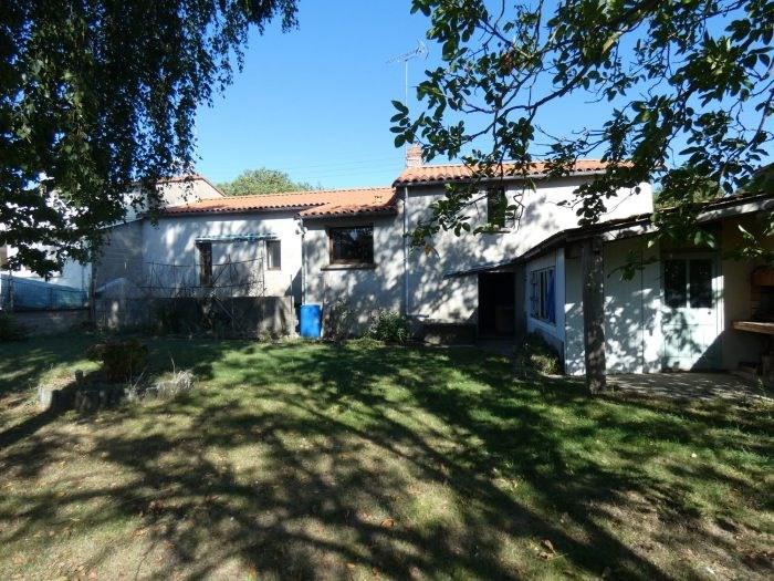 Sale house / villa La regrippière 156900€ - Picture 2