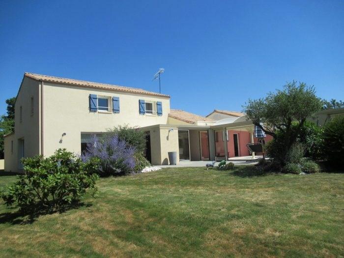 Deluxe sale house / villa Le poiré-sur-vie 382200€ - Picture 1