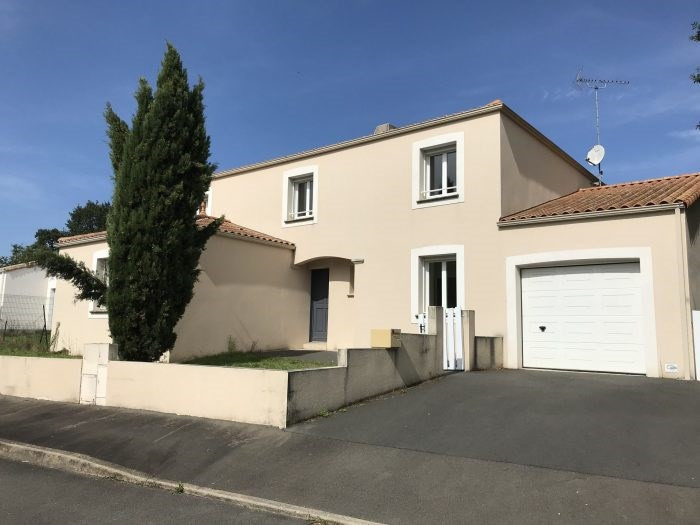 Rental house / villa La roche-sur-yon 1200€ CC - Picture 1