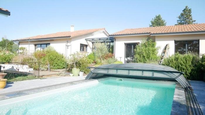 Deluxe sale house / villa Cugand 564300€ - Picture 1