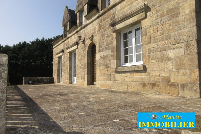 Sale house / villa Pont croix 312 000€ - Picture 1