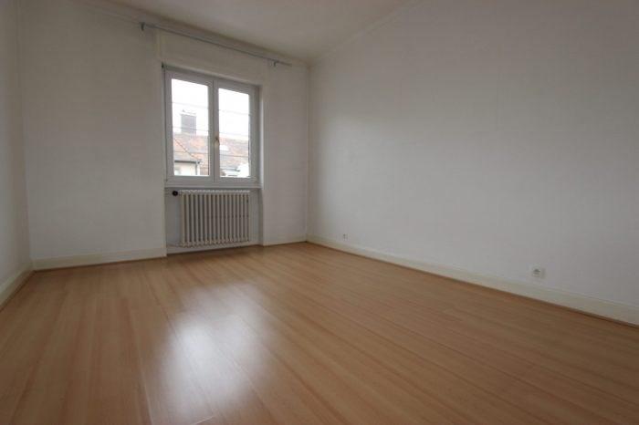 Location appartement Strasbourg 860€ CC - Photo 3