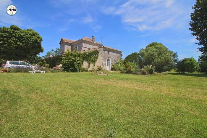 Vente de prestige maison / villa Saint-fort-sur-gironde 599000€ - Photo 2