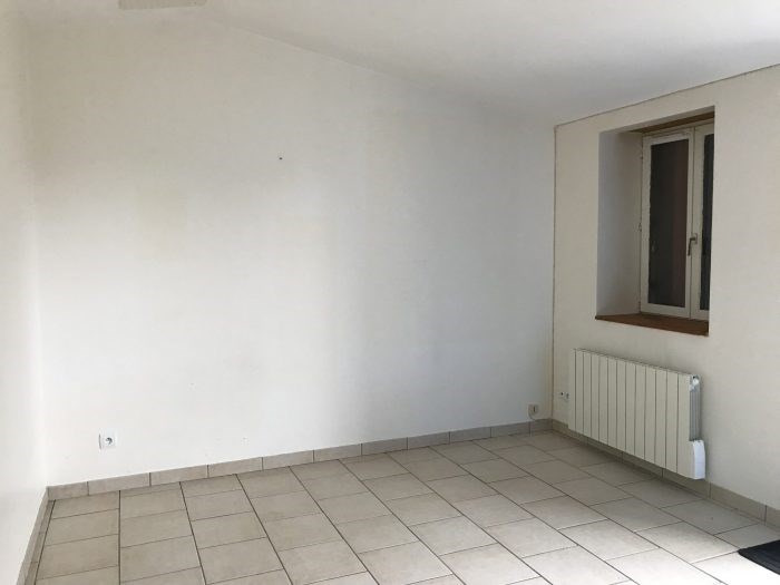 Rental apartment Le landreau 285€ CC - Picture 2