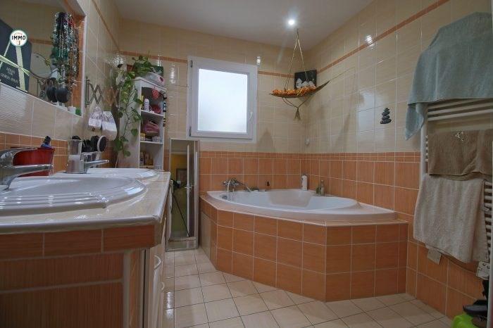 Sale house / villa Saint-ciers-du-taillon 223860€ - Picture 9