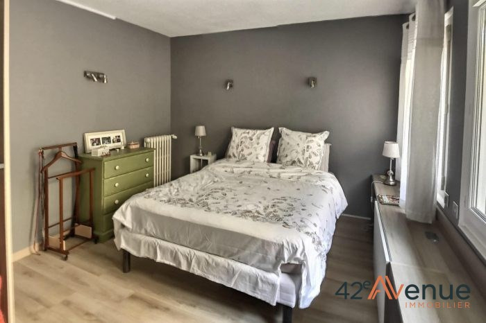 Sale apartment St-etienne 170000€ - Picture 5