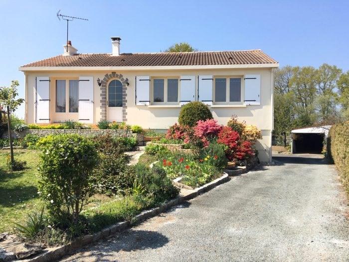 Sale house / villa Boufféré 245400€ - Picture 1