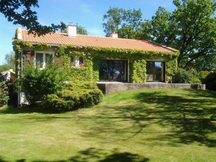 Sale house / villa Montaigu 373 000€ - Picture 8
