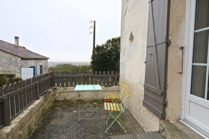 Sale house / villa Mortagne-sur-gironde 115000€ - Picture 1