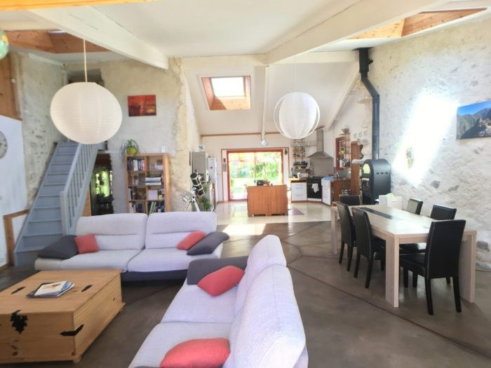 Sale house / villa La bruffière 281 000€ - Picture 1