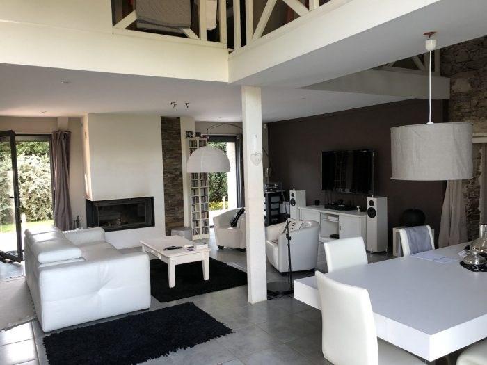 Sale house / villa Aigrefeuille-sur-maine 391400€ - Picture 1