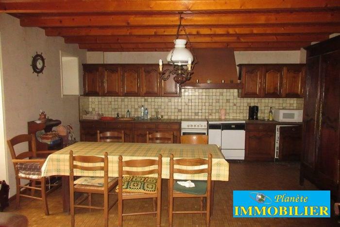 Sale house / villa Confort-meilars 110250€ - Picture 8