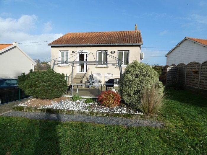 Sale house / villa Montfaucon montigne 187400€ - Picture 1