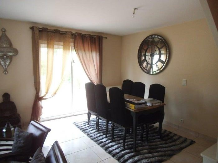Sale house / villa Montaigu-vendée 213900€ - Picture 2