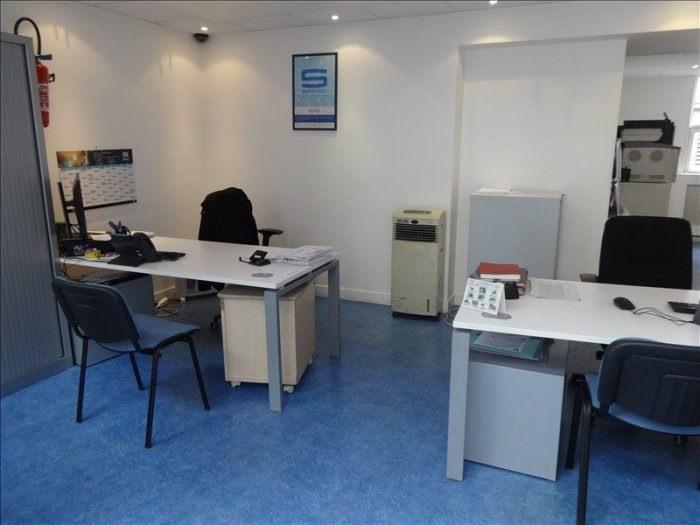 Sale office Vernon 130000€ HT - Picture 1